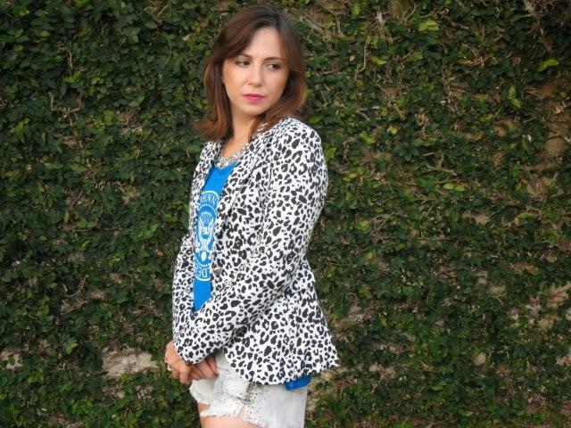 Leopard print e jeans