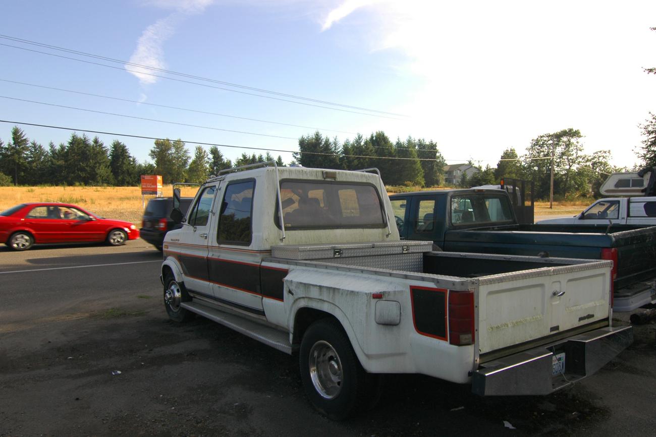 old parked cars 1987 ford e350 by cabriolet. Black Bedroom Furniture Sets. Home Design Ideas