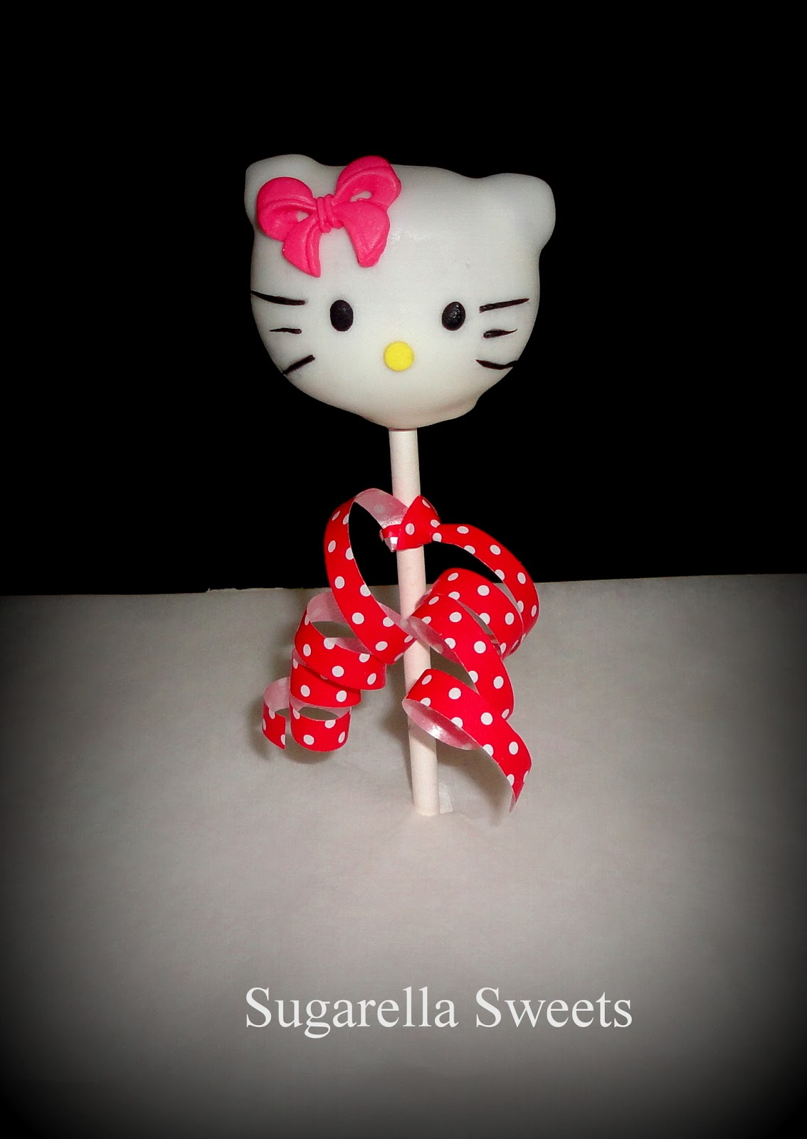 How to make a Hello kitty cake pop
