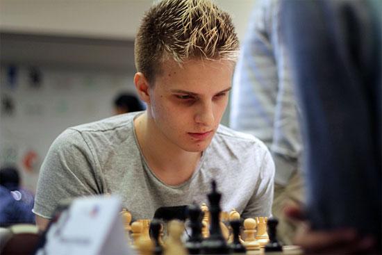Le jeune champion d'échecs hongrois Richard Rapport - Photo © Amruta Mokal d'Abu Dhabi 2015