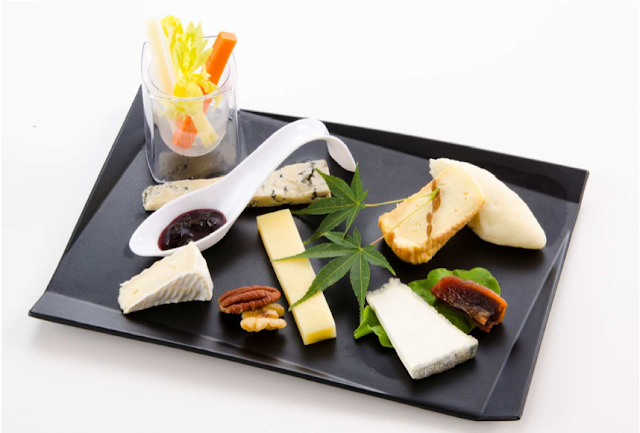 JAL First Class cheese offerings for Fall 2013.