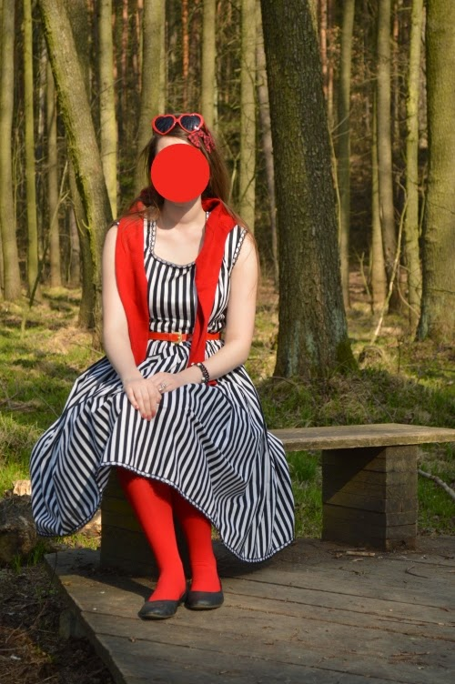 black white stripes, Katrina Van Tassel, Little Red Riding Hood, Sleepy Hollow