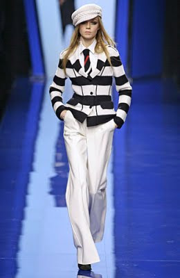 Women Nautical Chic Fashion Trends 2011