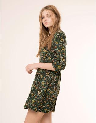 http://www.pullandbear.com/es/es/mujer/vestidos/vestido-cr%C3%AApe-evas%C3%A9-estampado-flores-manga-3-4-c29016p6454016.html