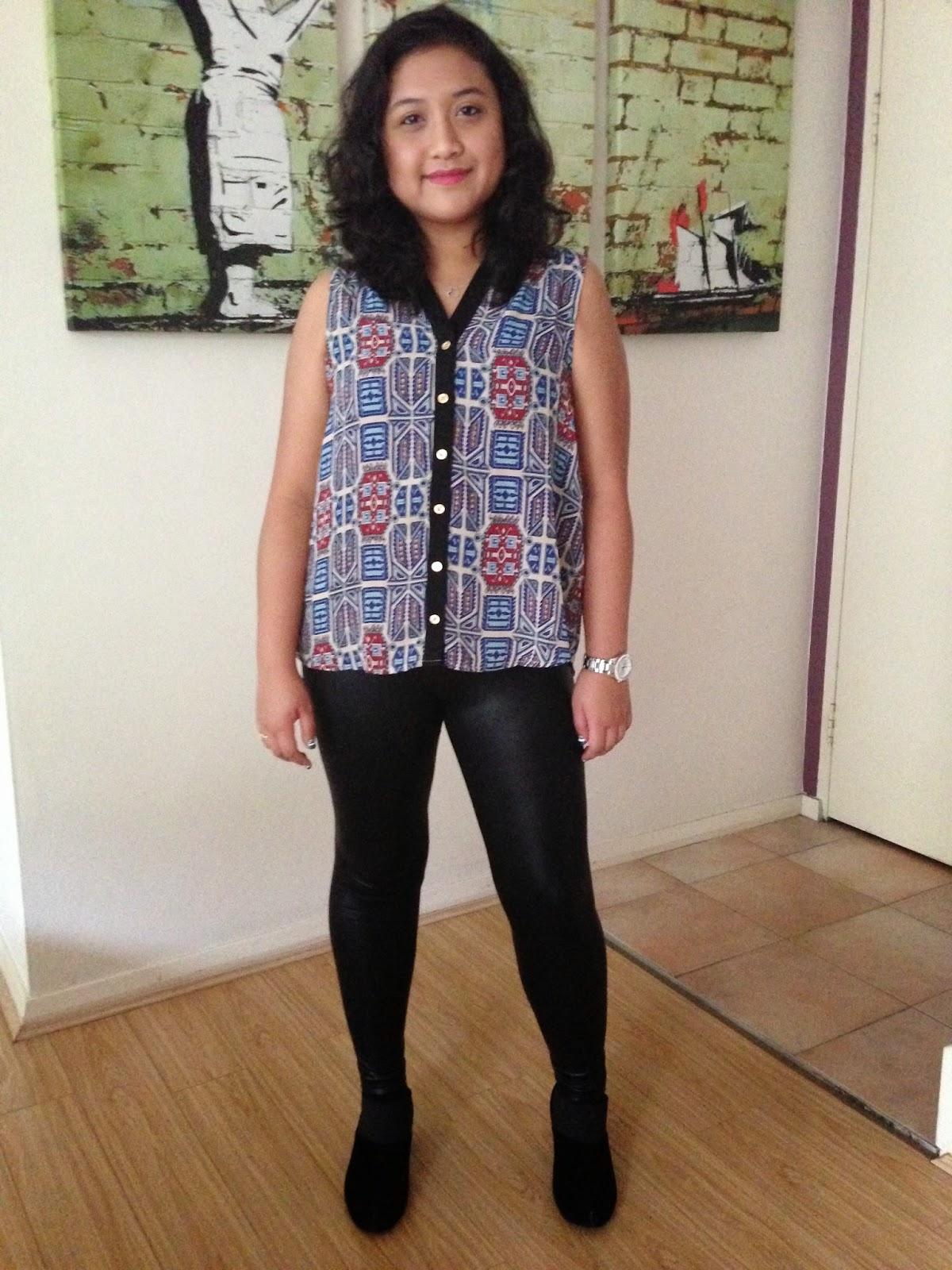 TEMT blouse, leather look leggings