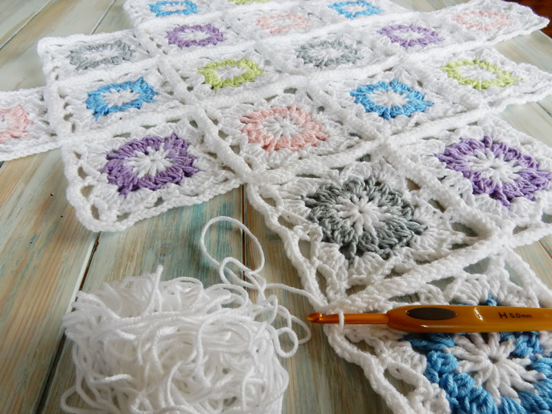 Happy Berry Crochet: What is a mile-a-minute, granny square or motif ...