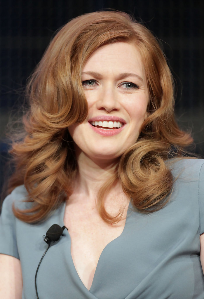 Mireille Enos Height