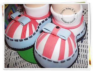 Sapatos para boneca fofucha em E.V.A