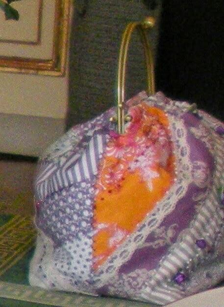 Gabriella Gai invece ha esposto le sue borse coloratissime,capienti e ...