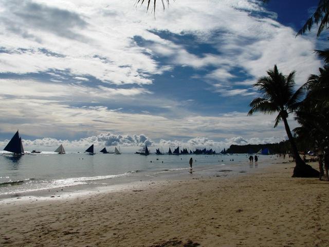 sailing at Boracay, Boracay Beach, Boracay view, Boracay shoreline, boracay island adventure, boracan island tour, boracay tour