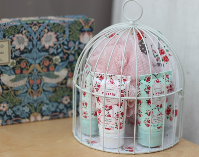 Vintage Collection bird cage