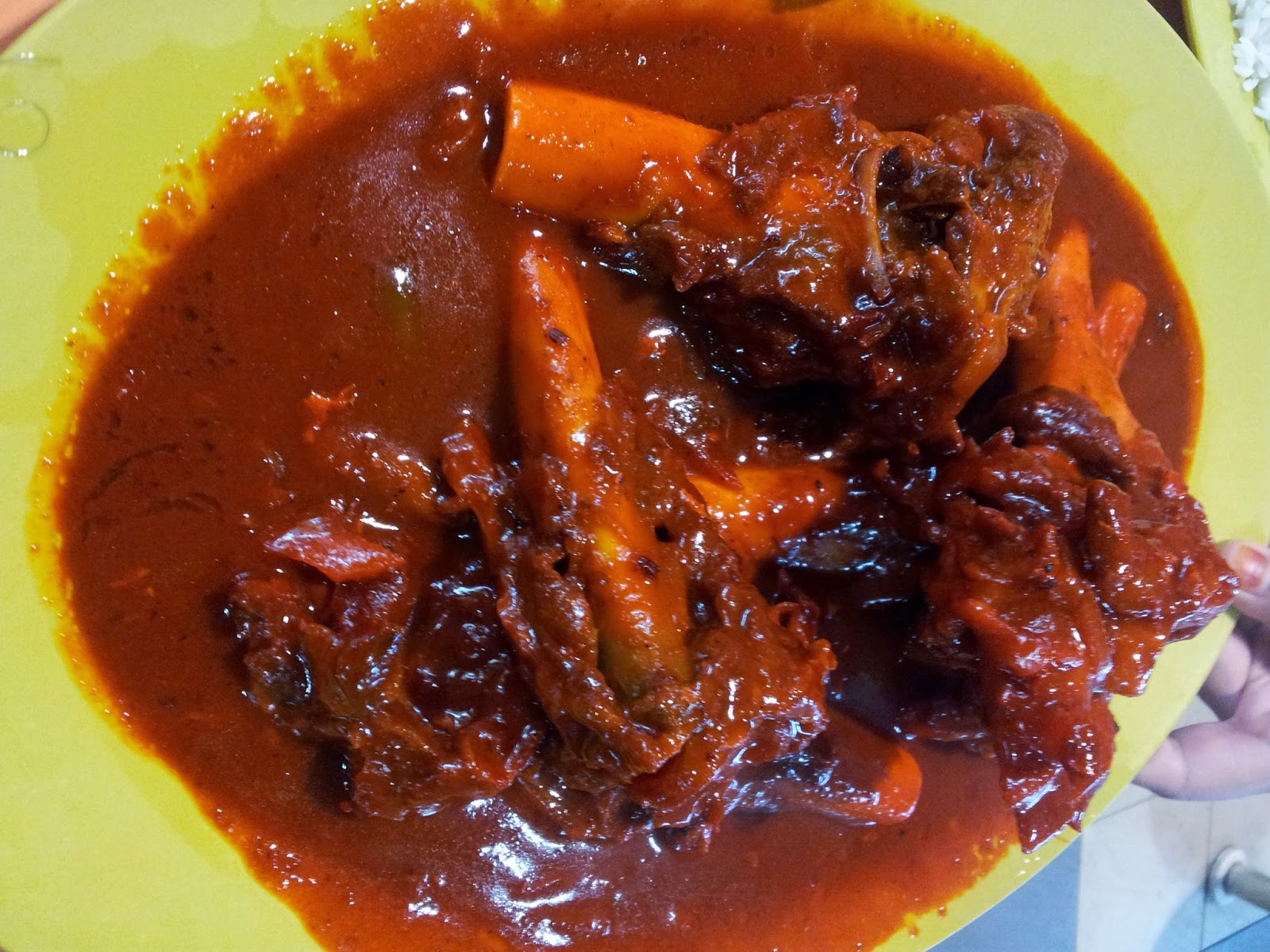 Sup Tulang Merah Singapura