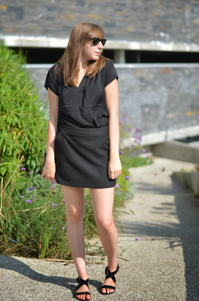jupe promod blouse noire h&m sandales minelli