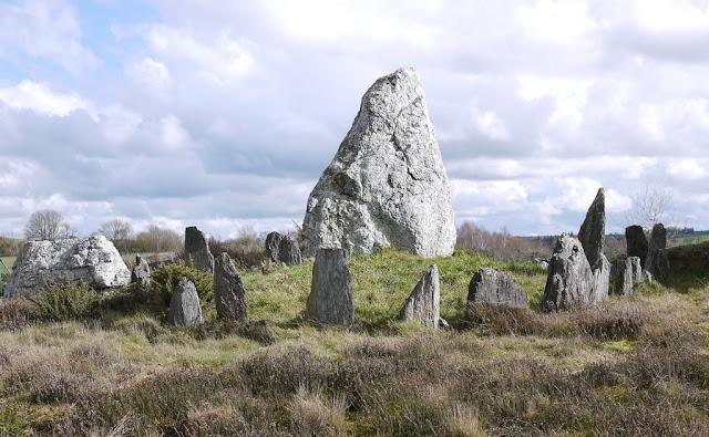 Le Château-Bu est un ensemble de monuments visibles et invisibles