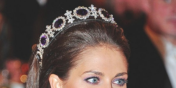 Princess Madeleine of Sweden jewelry, Wedding rings, engagement rings, Sets, Earrings, Pendants, Necklaces, Bracelets, Brooches diamont, diamonds,