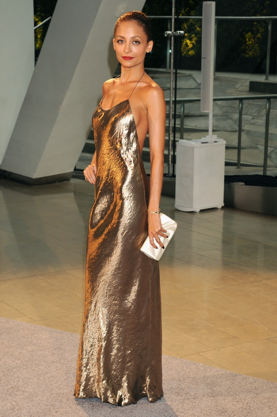 Nicole Richie in gold metallic Marc Jacobs gown