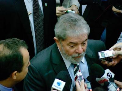Lula diz a amigos que será candidato à Presidência