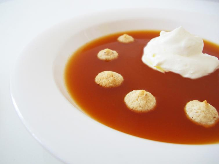 Nyponsoppa (Rose hip soup)