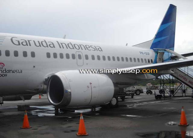 Garuda Indonesia sudah menjadi moda pesawat udara andalan saya jika bepergian. Nyaman, ketepatan waktunya  dan keramahannya yang baik. Foto Asep Haryono