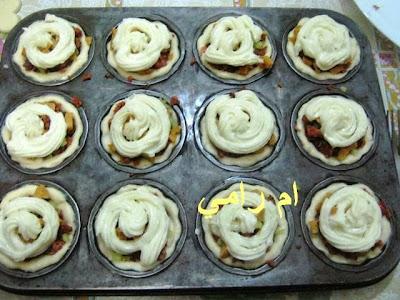 خبزات باللحم والكريمة  13402837701