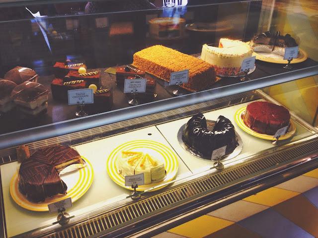 W39 Bistro & Bakery Cakes