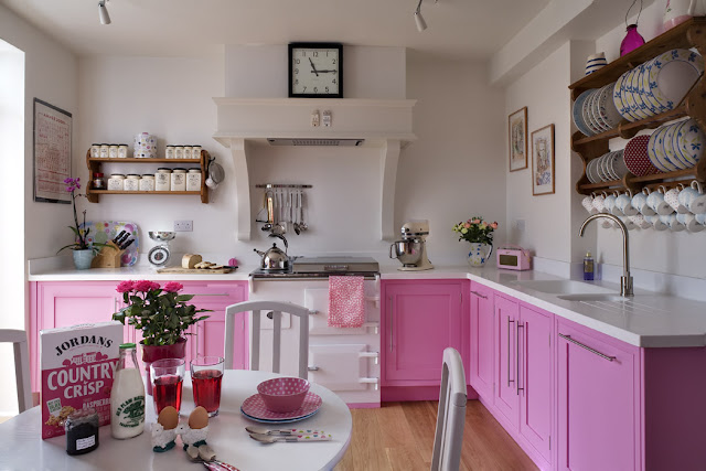 Pink kitchen 15