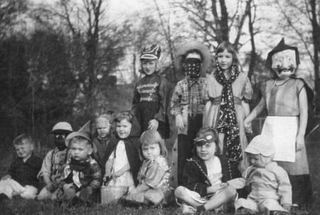 Costume Halloween 1950 | Goshowmeenergy