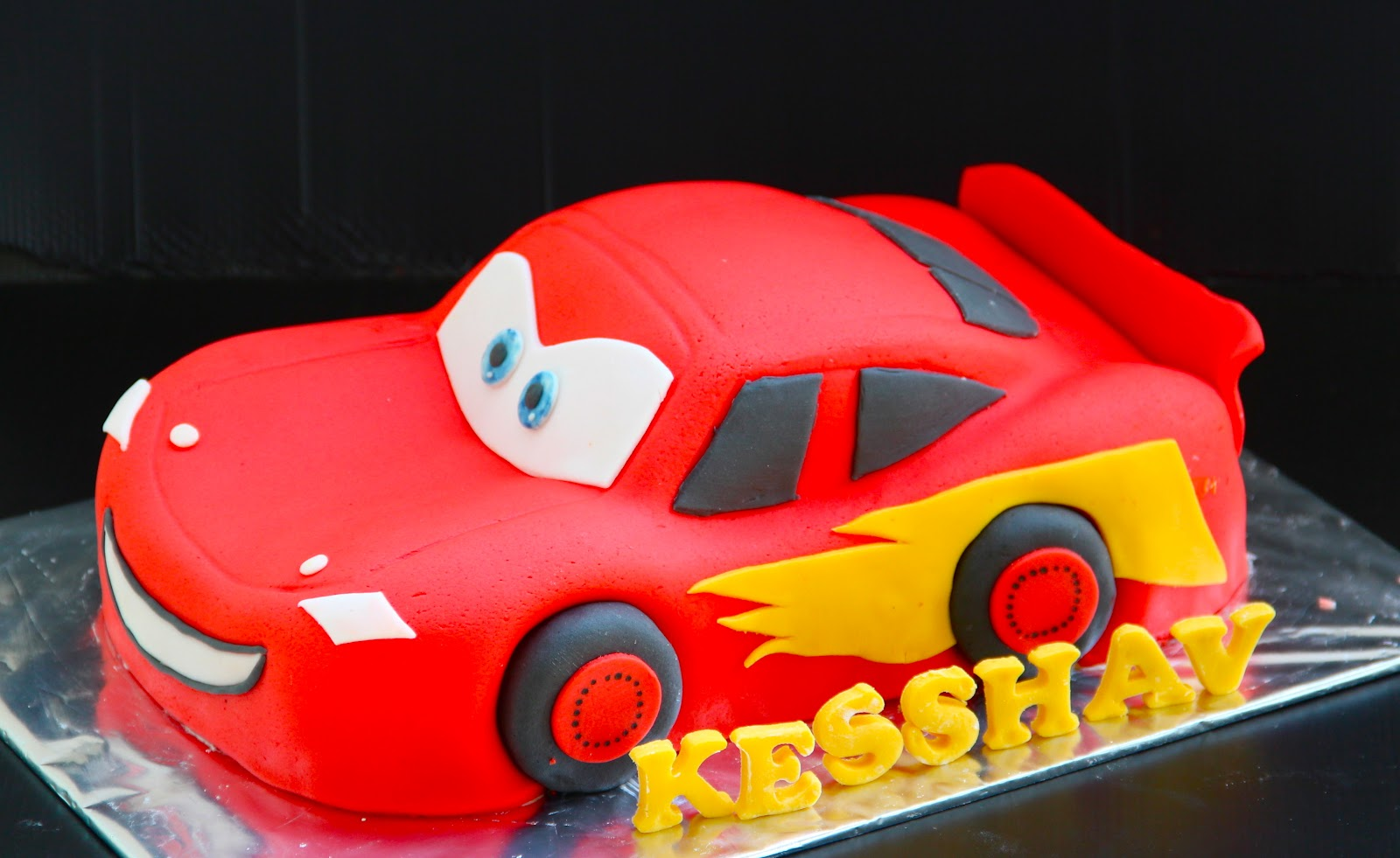 Ema s Creation: Disney cars cake