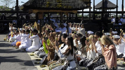 Miss World pray in Pura Besakih, Besakih temple, the largest temple in Bali