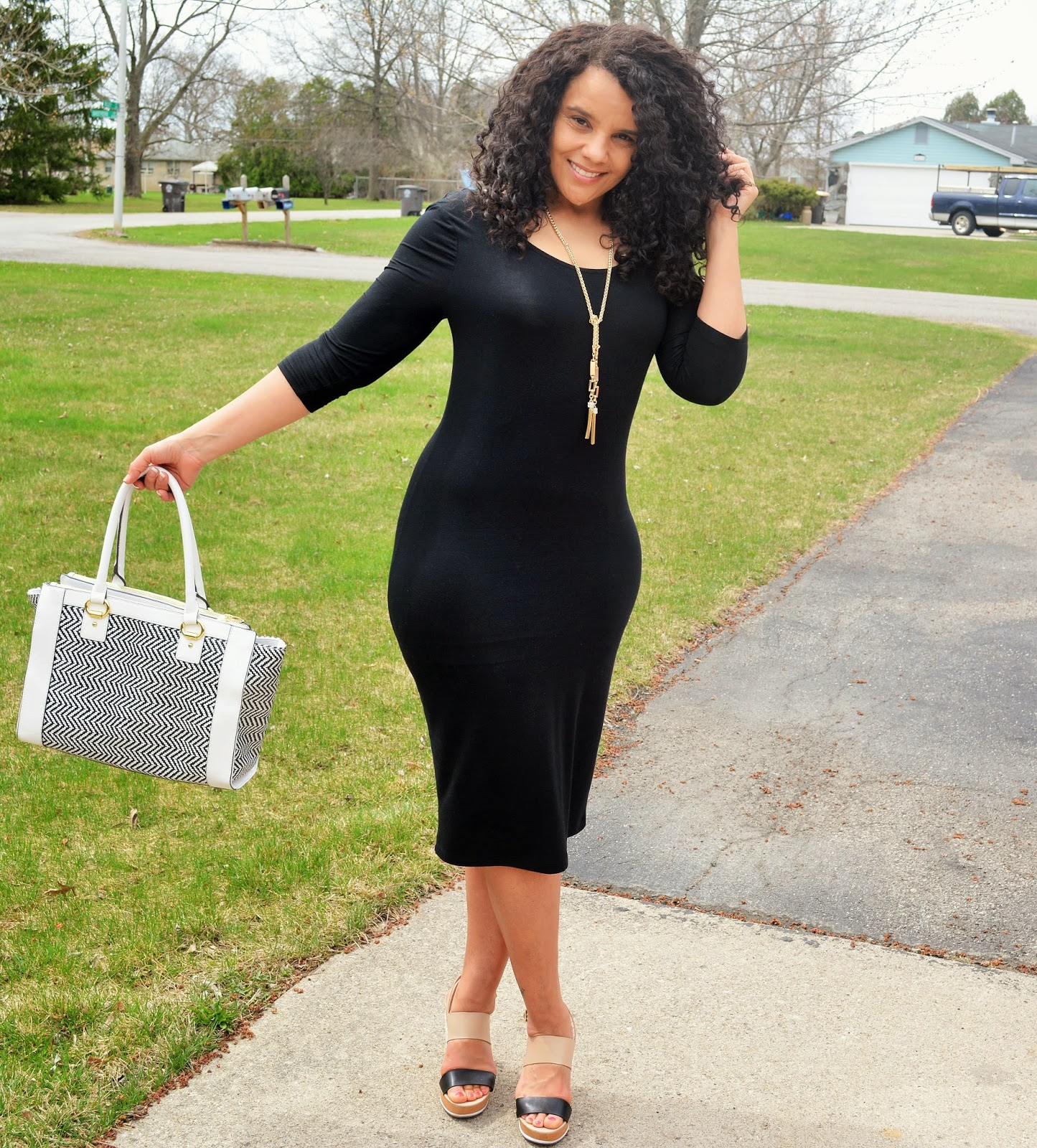 Curlybyrdie Chirps: The Perfect Little Black Dress