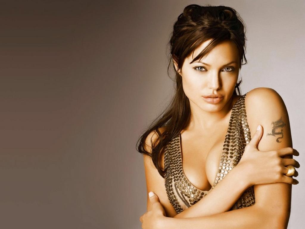 Angelina%25252BJolie%25252Bbig%25252Bdeep%25252Bcleavage Amateur « Mature Swinger Couples Blog