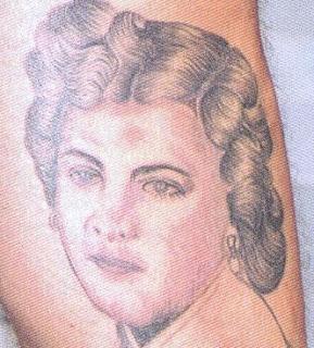 Tatuagens face mulher
