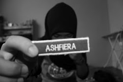 Fyyra Azmi here :') it's just simple to be like me. smile laugh smile and laugh.