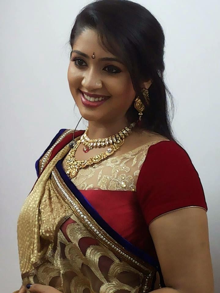 Actress HD Gallery Navya Nair Kannada Actress Latest Saree Photo Gallery