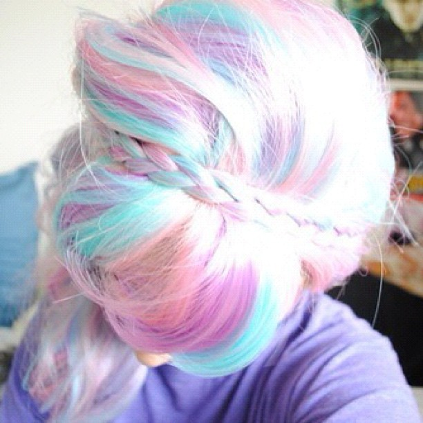 Note Able Chic Inspiration Ombre And Brightly Colored Hair