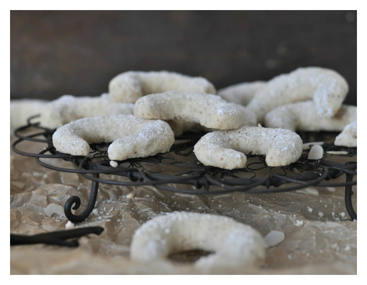 gluten free Vanilla Biscuits, a traditional German recipe for christmas