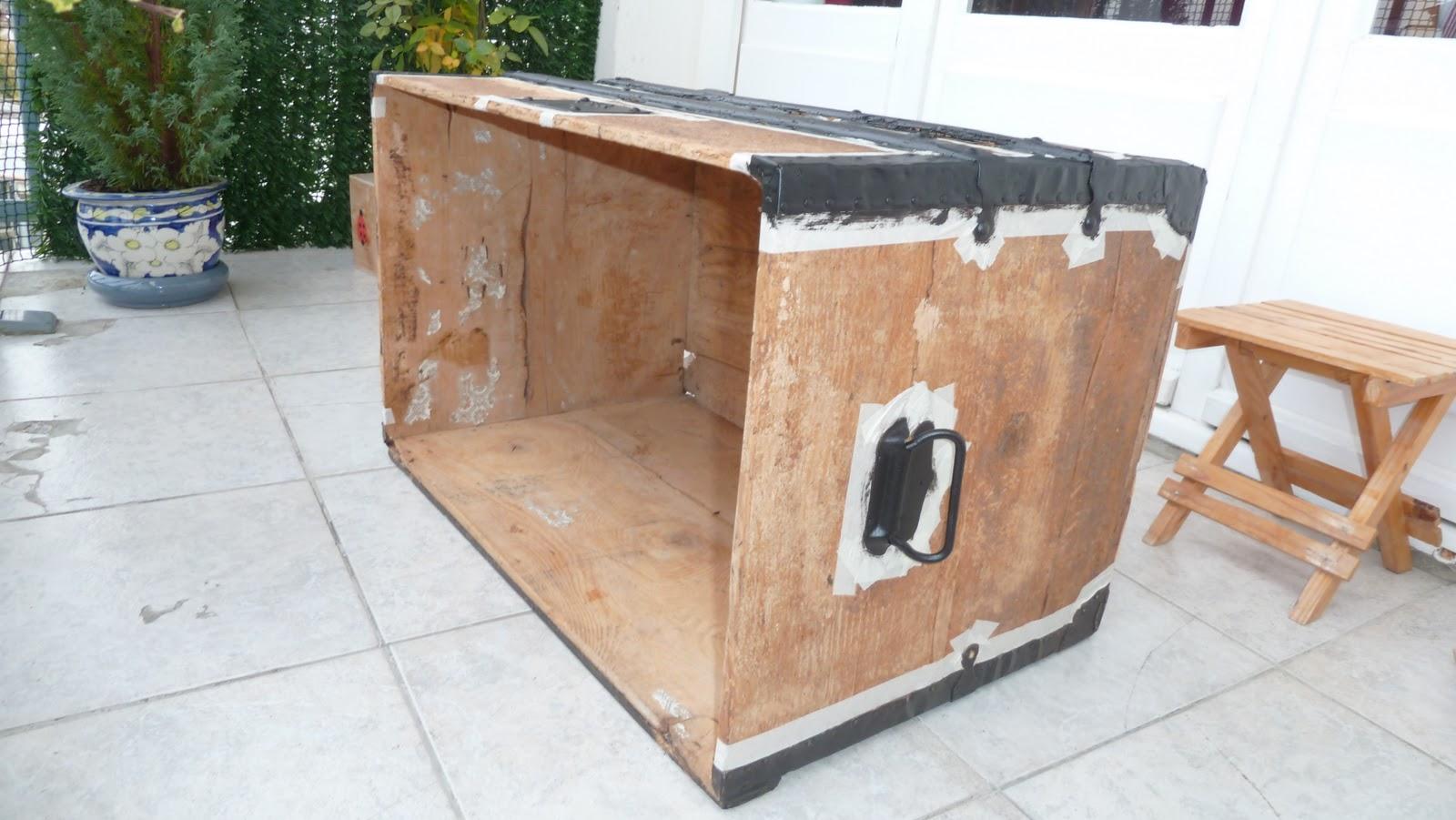 mamzelle chacha co comment retaper une malle de voyage en bois. Black Bedroom Furniture Sets. Home Design Ideas