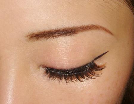 Bridal Dresses: Cat eyes makeup