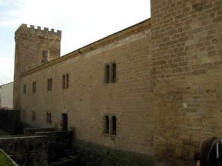 Palacio fortificado del príncipe de Viana