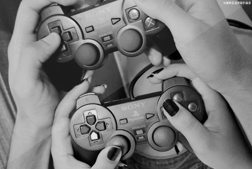 Como conviver pacificamente com um namorado gamer? Para as não gamers