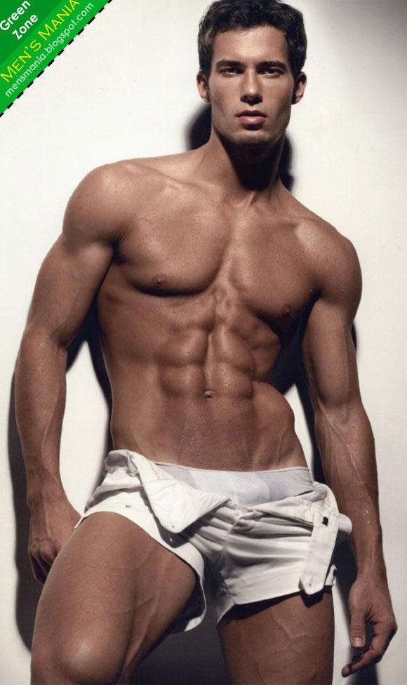 lelaki memiliki buah dada besar yang seakan akan wanita bukan perkara