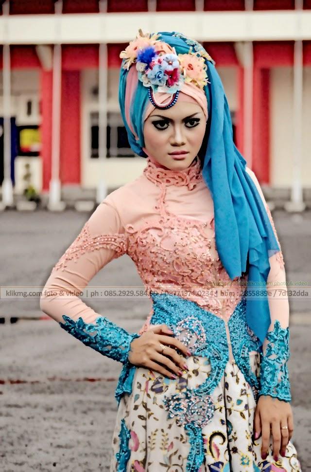 Model Hijab / Model Jilbab pada Hunting Bareng & Buka Bareng Komunitas Fotografer Banyumas, Minggu - 20 Juli 2014 + Animate