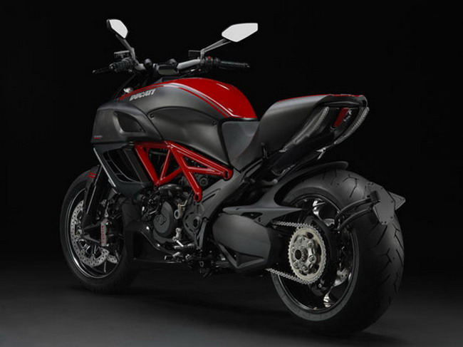 Ducati Diavel Carbon Ducati diavel carbon red