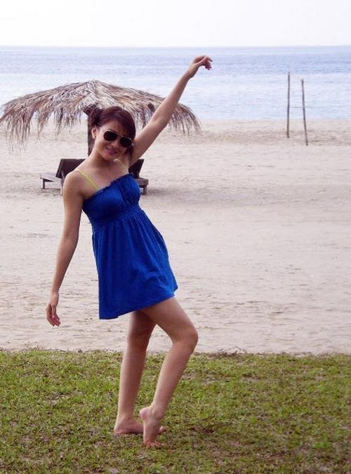 wut hmone shwe yee sexy bikini photo 04
