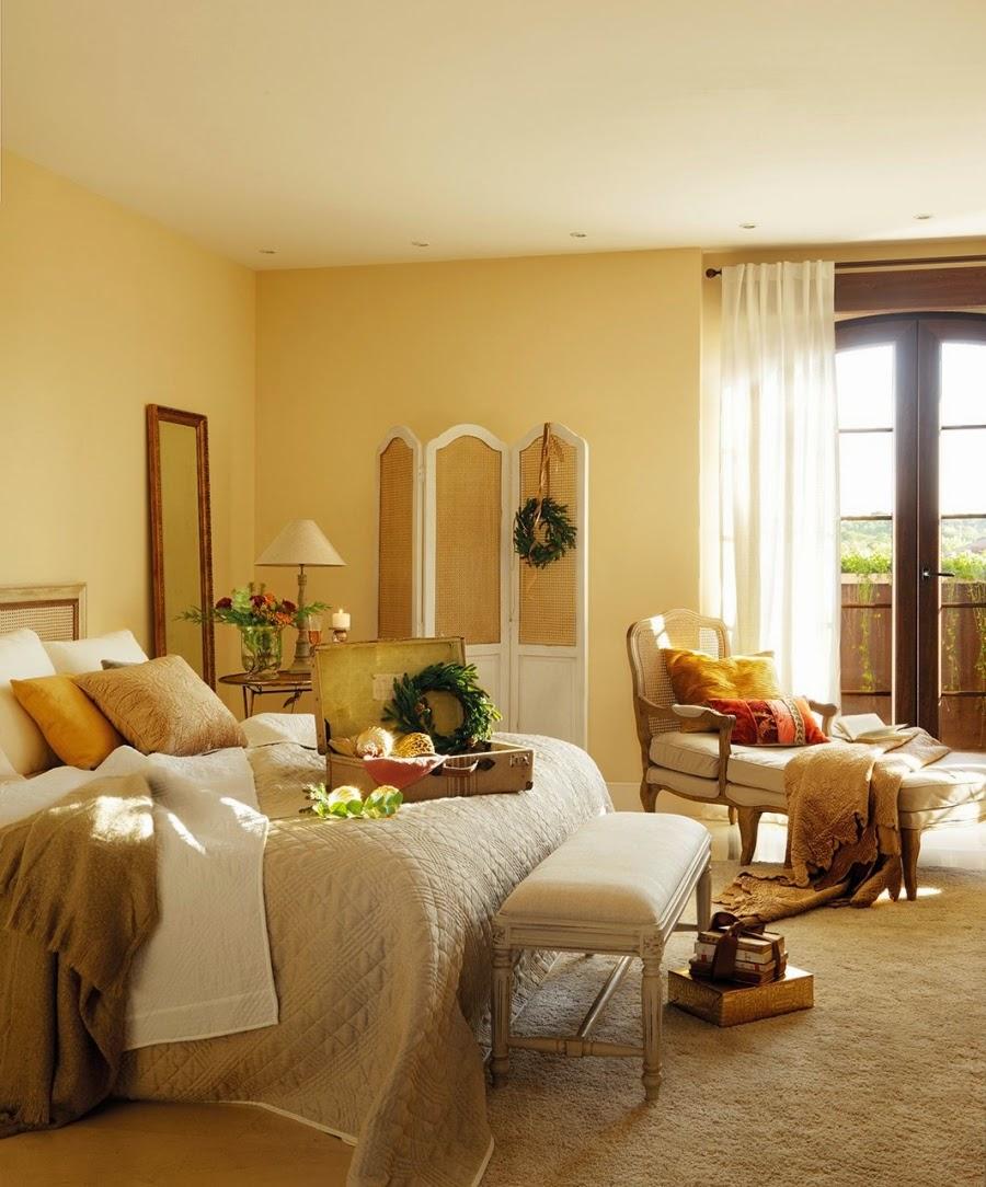 wystrój wnętrz, home decor, wnętrza, urządzanie domu, mieszkanie, Święta Bożego Narodzenia, Christmas, styl francuski, stare złoto, glamour, choinka, ozdoby świąteczne, kominek, dekoracja stołu, sypialnia
