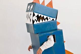 Kostum dinosaurus dari kardus, cosplay