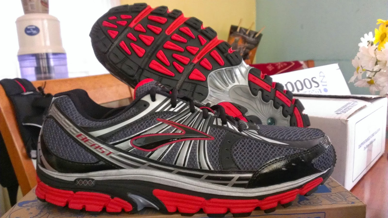 the fat runner brooks beast 2014 a review. Black Bedroom Furniture Sets. Home Design Ideas
