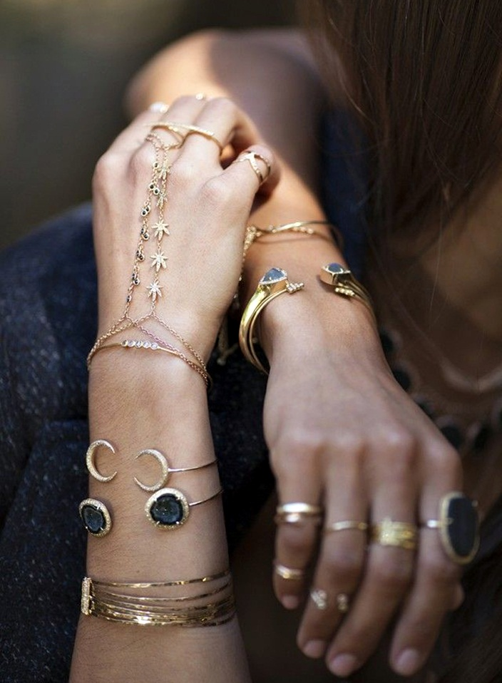How to Stack & Layer Your Jewelry for A Sexy Boho Chic Style