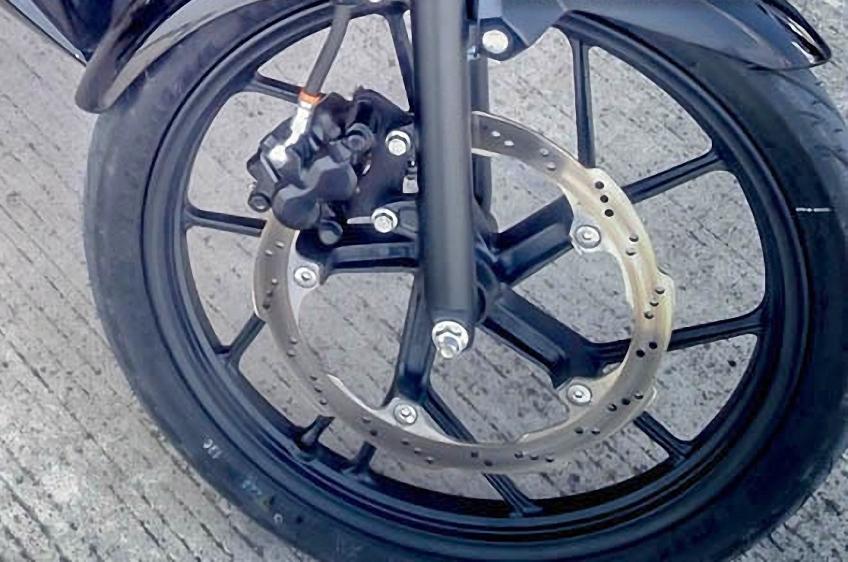 Disk brake dengan bentuk bergelombang akan membuat performa pengereman menjadi lebih baik . . benarkah?