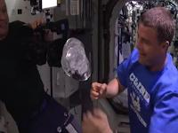 http://www.20minutos.es/noticia/2293562/0/astronautas/camara/burbuja/